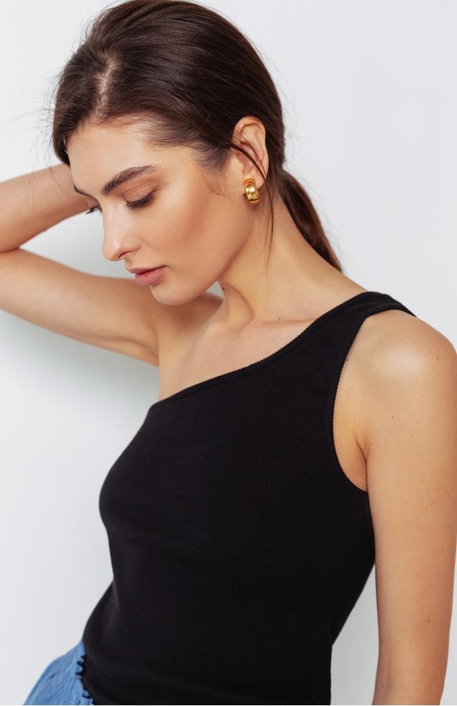 Топ чорний на одне плече
