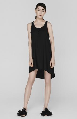 >Нічна сорочка чорна з ґудзиками