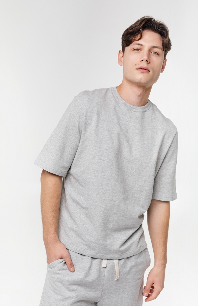 >Чоловіча футболка світло-сіра