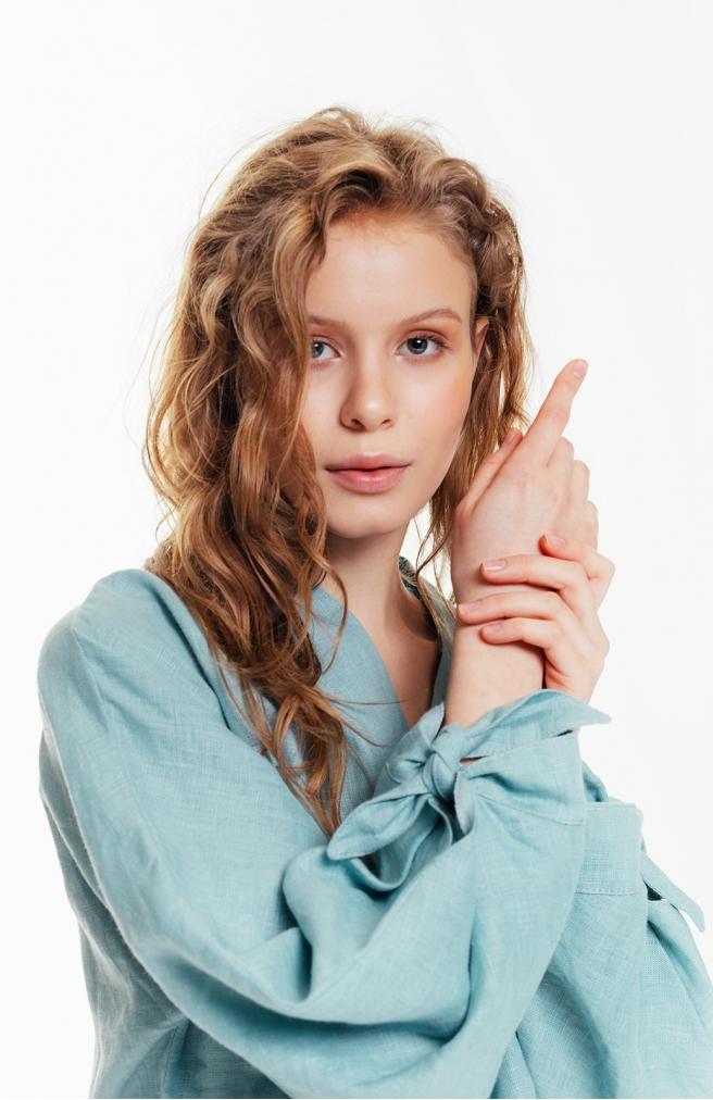 >Блуза лляна бірюзова з об'ємними рукавами з зав'язками