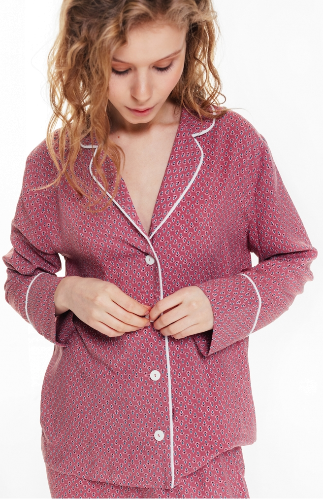 >Сорочка класичного крою рожева в сині орнаменти